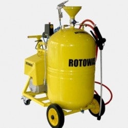 Foam Spraying Tanks and Pumps with compressor